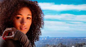 7 consejos para el pelo encrespado (+ 1 muy especial) 🚿👩🦱🤩